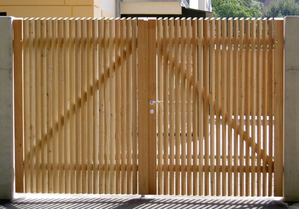 Holztüren & Holztore in Top-Qualität von Fröschl