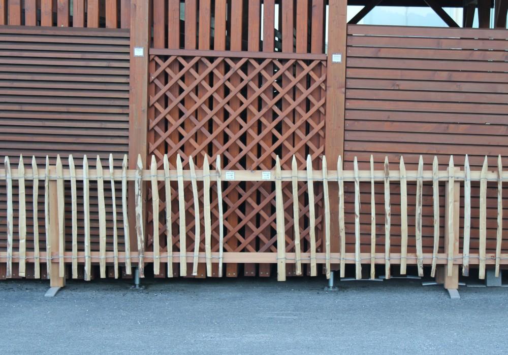 staketenzaun von fr schl sterreichs nr 1 f r rollzaun aus kastanie. Black Bedroom Furniture Sets. Home Design Ideas