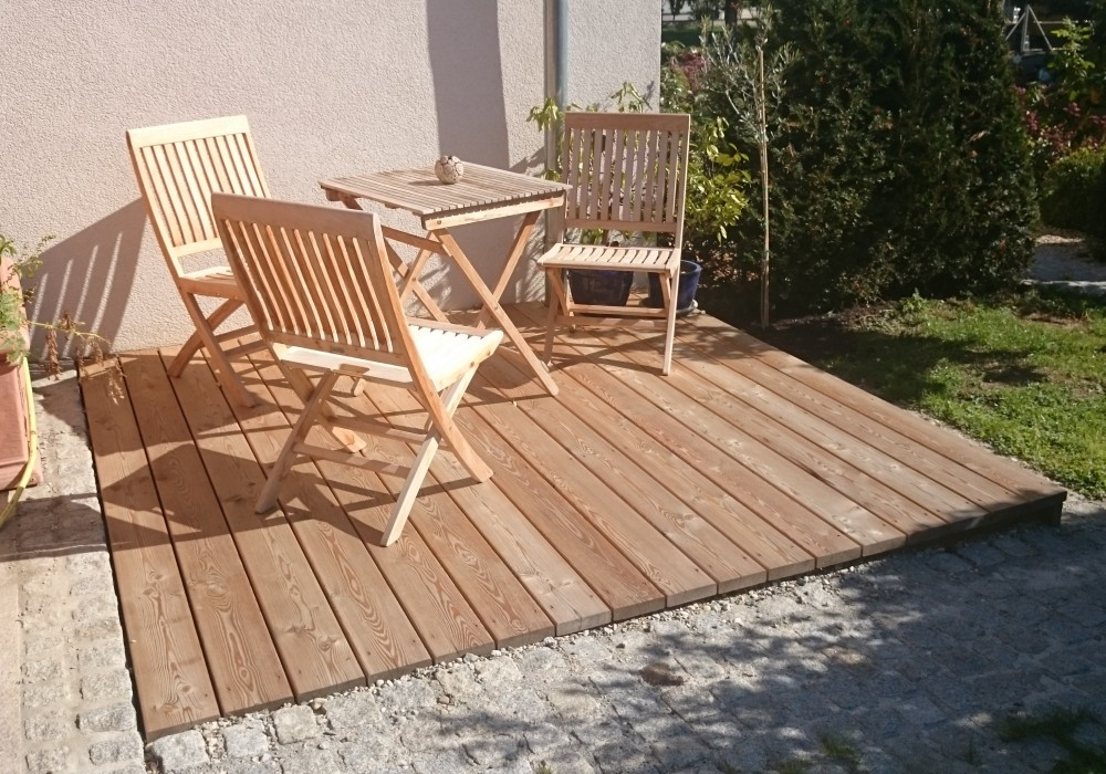 terrassendielen perfekte l rchenholz terrassendielen. Black Bedroom Furniture Sets. Home Design Ideas